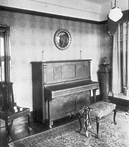 Beale upright piano